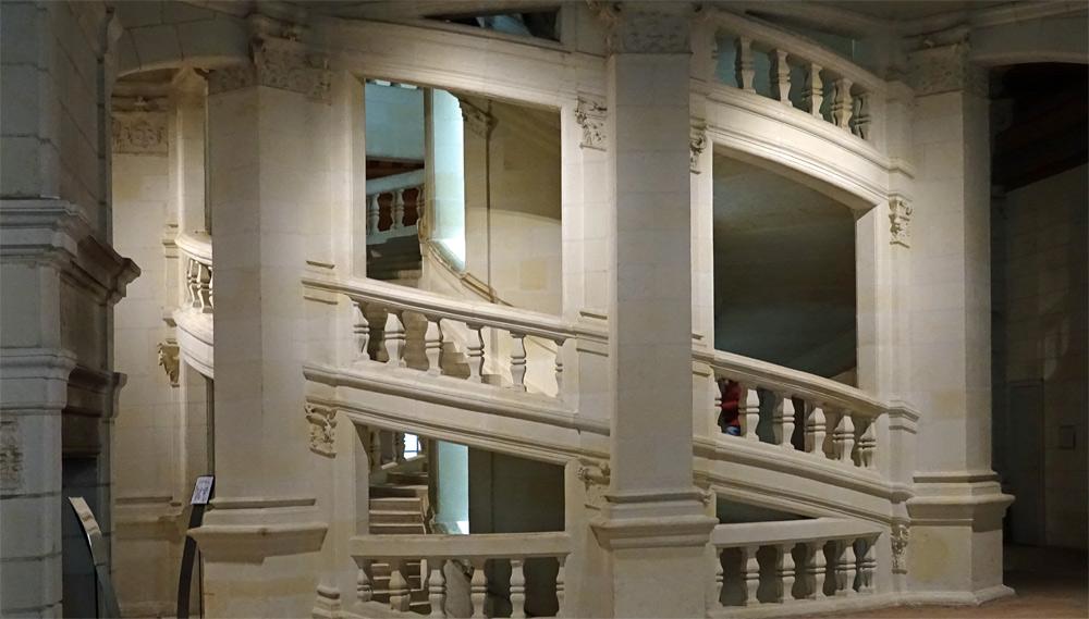 Escalier à double révolution sous un autre angle