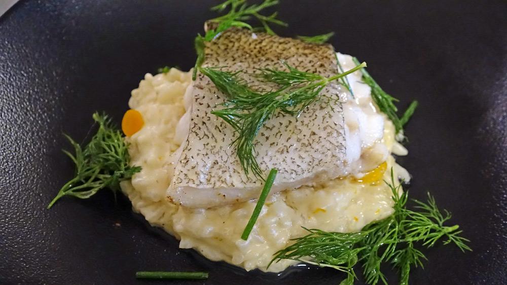 Filet de skrei, risotto aux agrumes et herbes fraîches