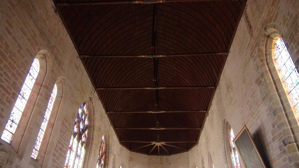 La charpente de l'église de Massay, ancienne abbatiale Saint-Martin