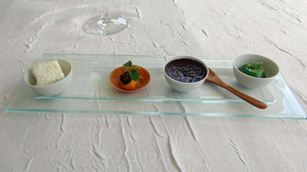 Guimauve parmesan – Tarte carotte & mangue – Crème brûlée olive noire – Huître  en gelée végétale et citron