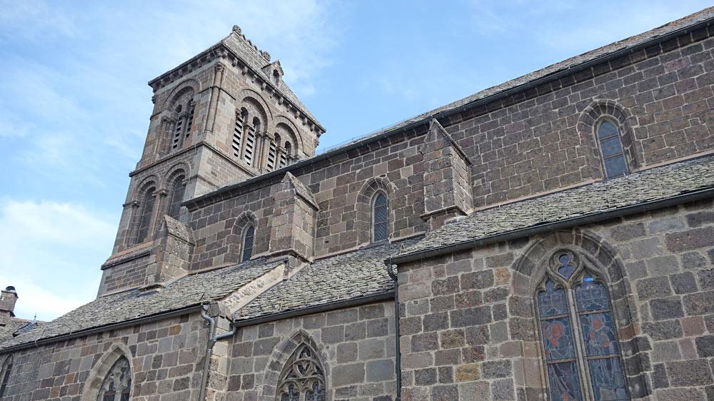 Eglise Saint-Mathieu - Vue depuis la rue Courbière