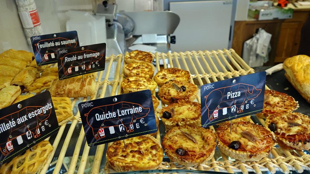 Feuilleté aux escargots, Roulé au fromage, Quiche lorraine, Pizza ...