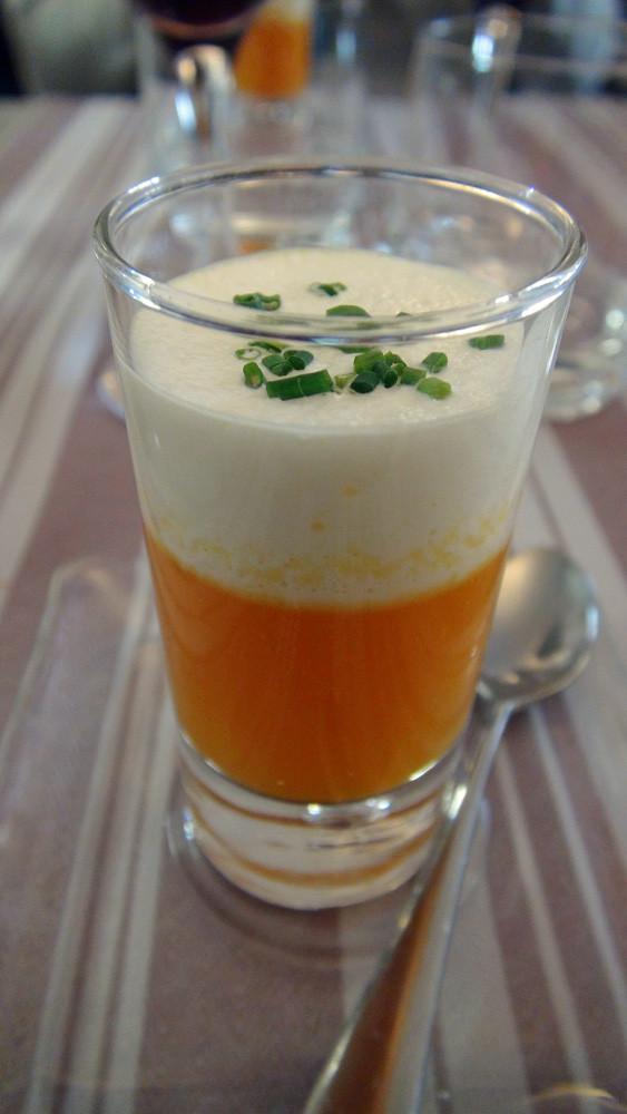 Velouté de potimarron, crème fouettée au lard