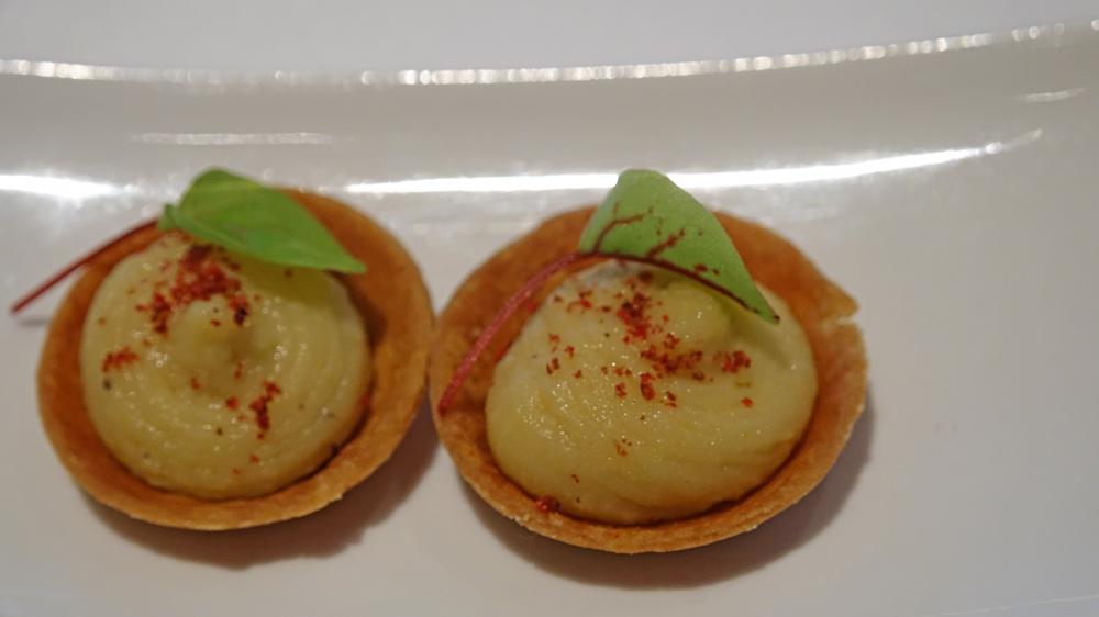 Amuse-bouche : Tartelette mousse de pois chiche