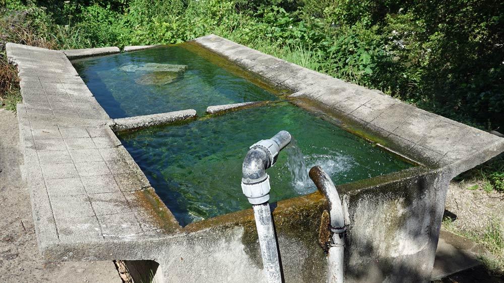 """Le """"lavoir"""" d'eau soufrée à 45/48°"""