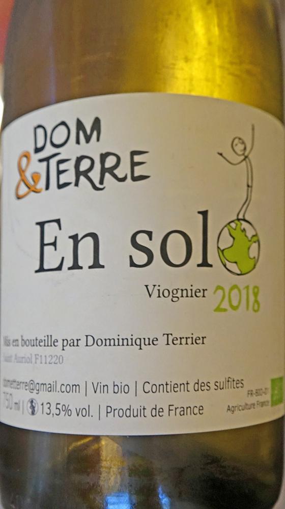 Vin blanc servi sur les trois services suivants