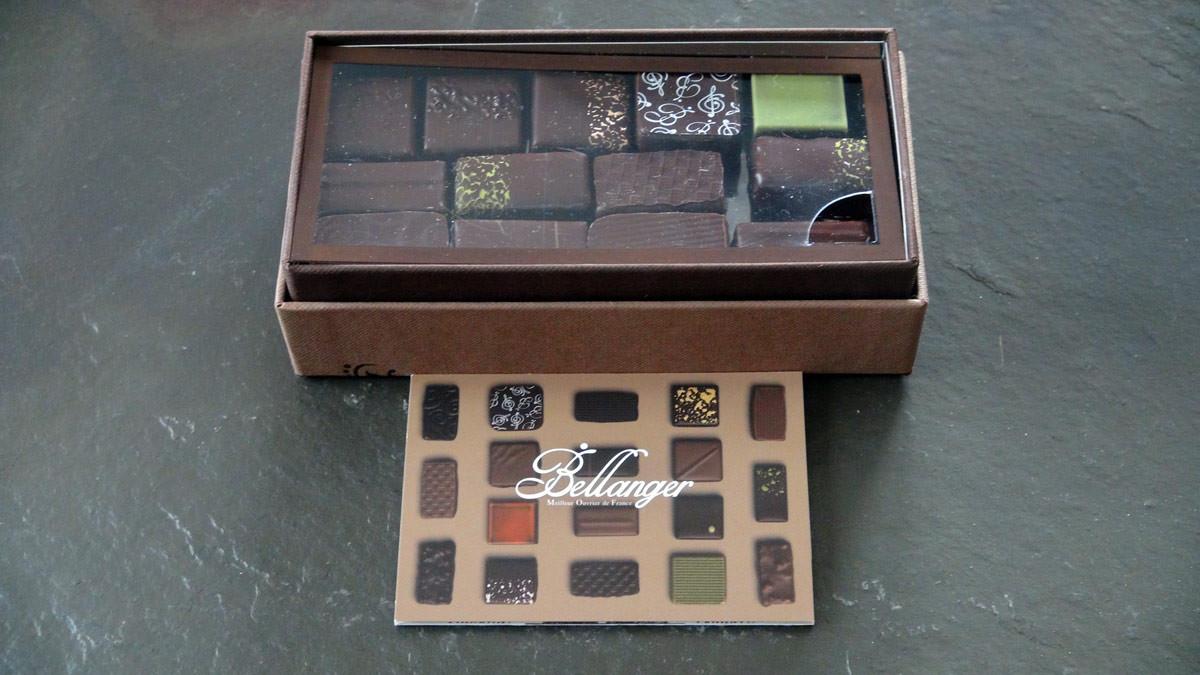Les chocolats noirs en ballotins