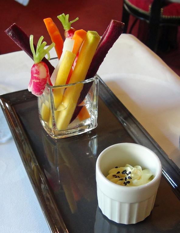 Variation de carottes et radis crus