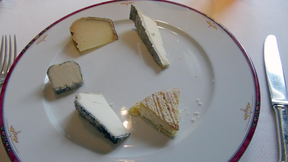 Mon assiette de fromages : Pouligny-Saint-Pierre - Pelta - Valençay - Couronne lochoise - Bourdel