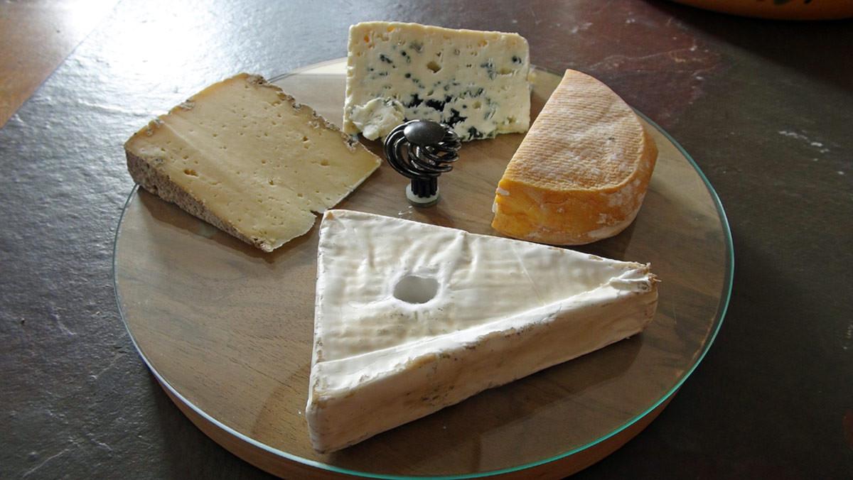 Les fromages achetés : Coup de corne - Tome de Rhuys - Roquefort Carles - Petit fiancé