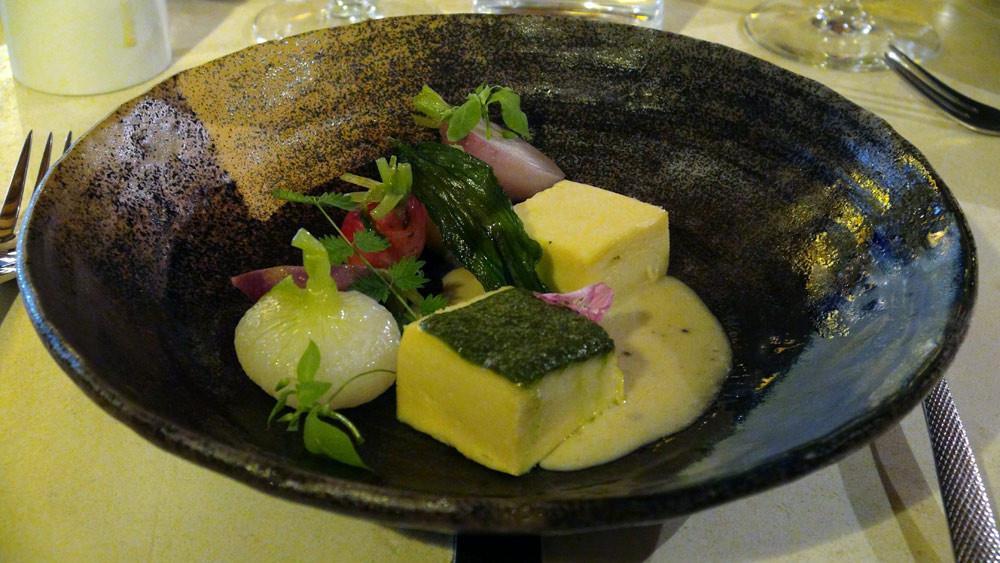 Brochet de Loire en mousse fine, jeune radis et ail des ours