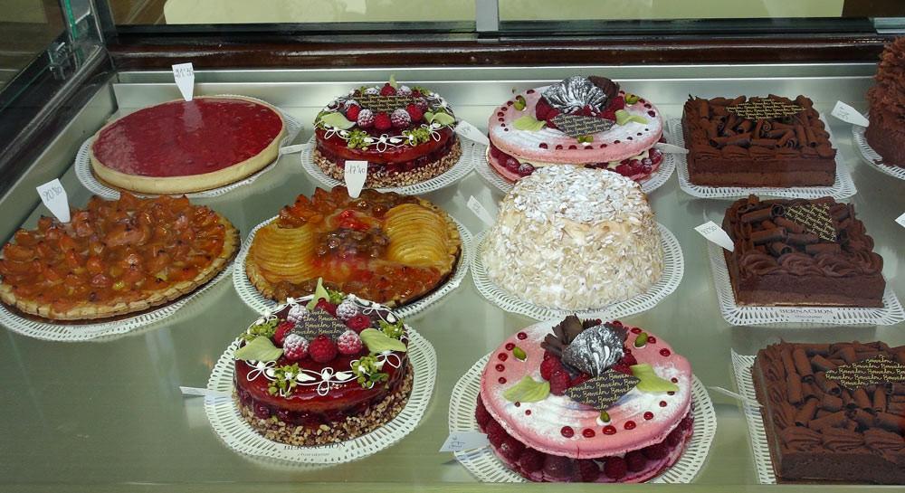 Gâteaux en vitrine