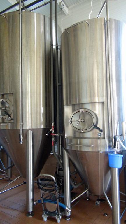 Cuves de fermentation ... haute, bien sûr !