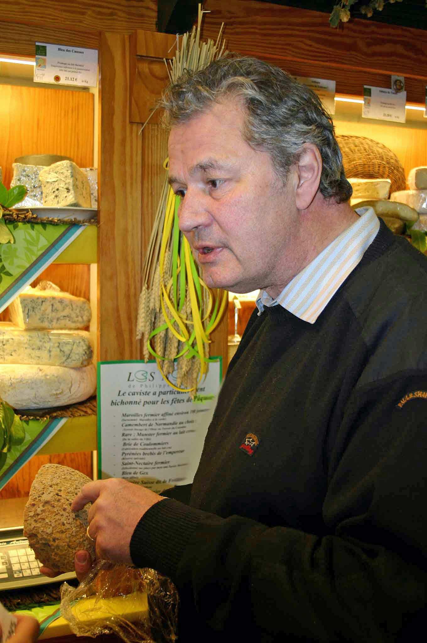 Philippe Olivier dans sa boutique de Boulogne-sur-Mer - 26 mars 2010