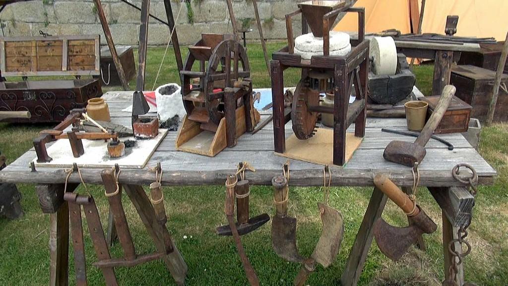 Exposition de Festina Lente de maquettes de différents matériels  - 29/07/12