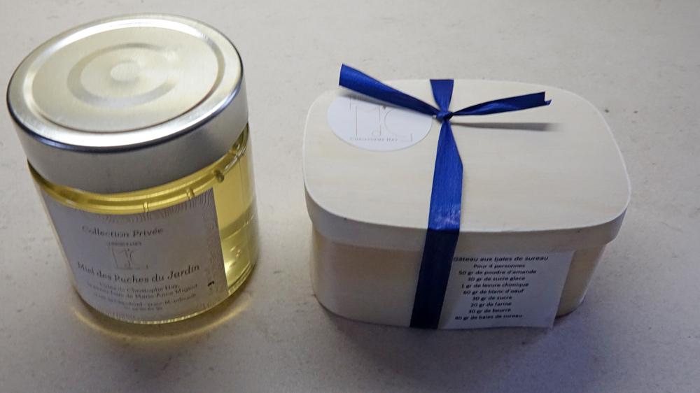 Cadeaux de Christophe Hay : miel maison et gâteau de voyage (Merci Christophe !)