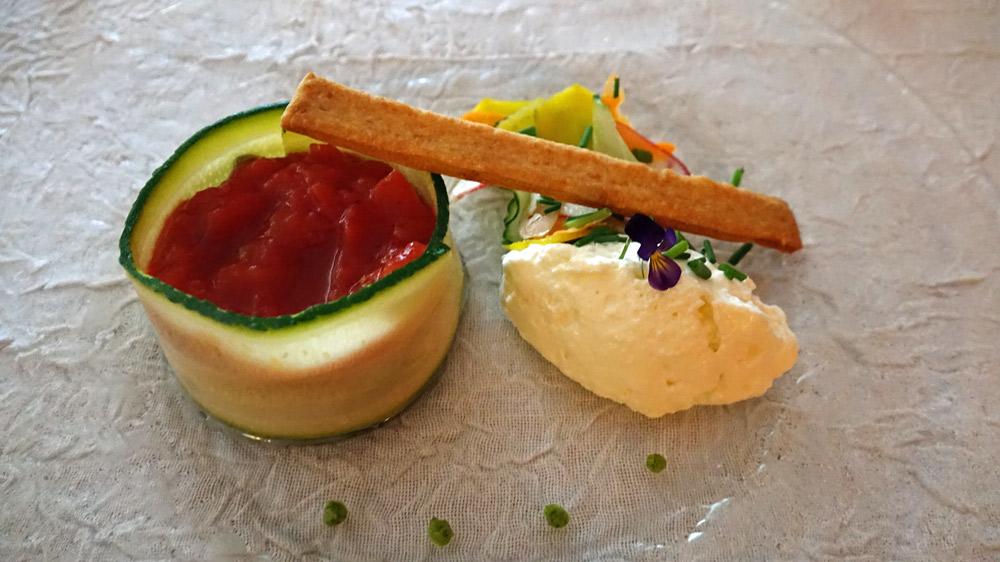 Terrine de légumes, crème de chèvre à la ciboulette