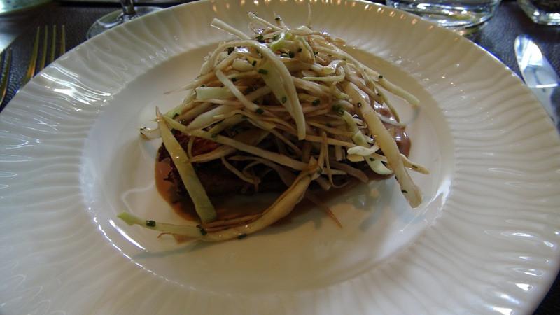 """Le marbré de cèpes et pommes de terre gratinées (à la présentation un peu """"fouillis"""")"""