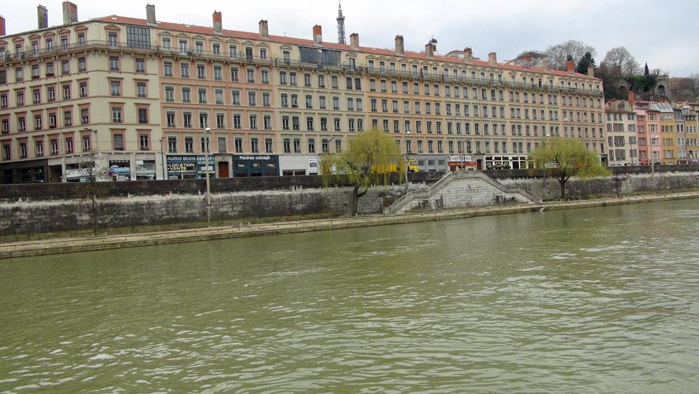 Balade sur la Saône : quai Pierre Scize