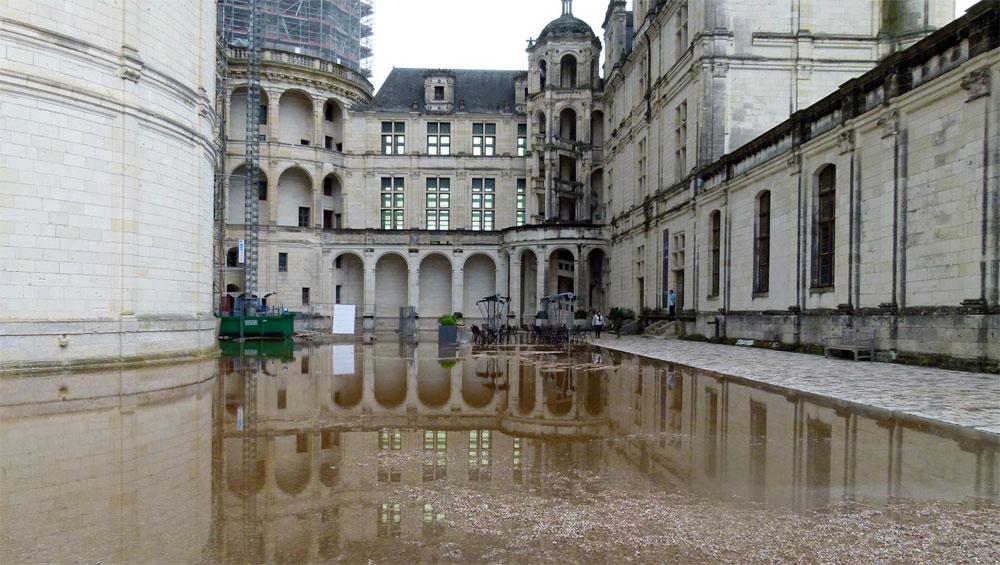 La cour intérieure du château - Source photo : https://www.facebook.com