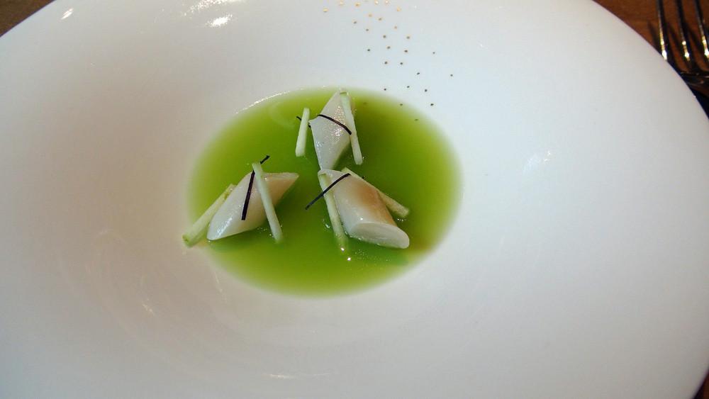 Couteaux en gelée de pomme verte et basilic