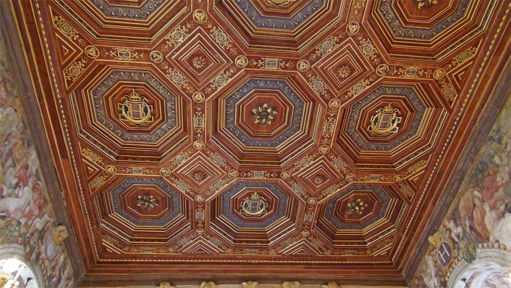 Plafond mosaïque de la salle de Bal