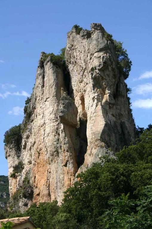 Dolomites près de la route d'accès