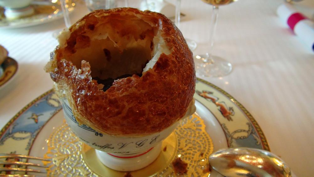 Soupe aux truffes noires VGE (plat créé pour l'Elysée en 1975)