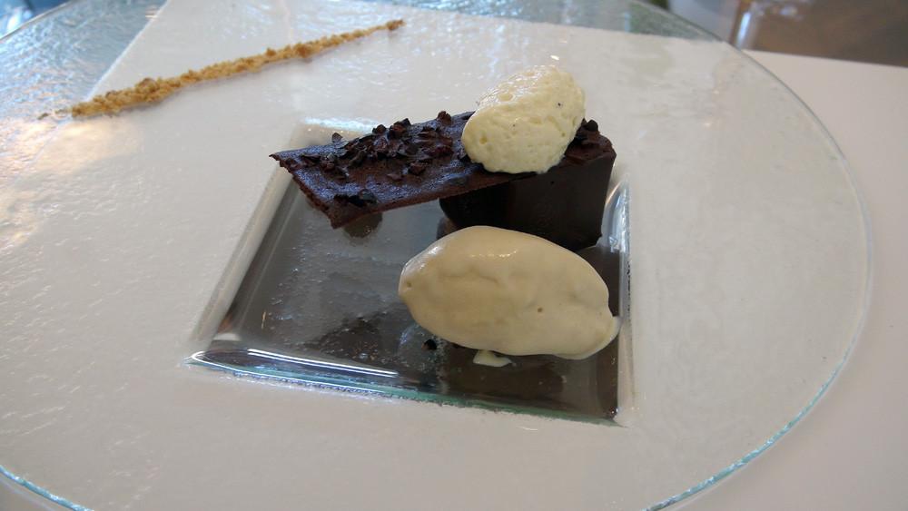 Chocolat, sorbet cacahuète et crémeux fromage blanc