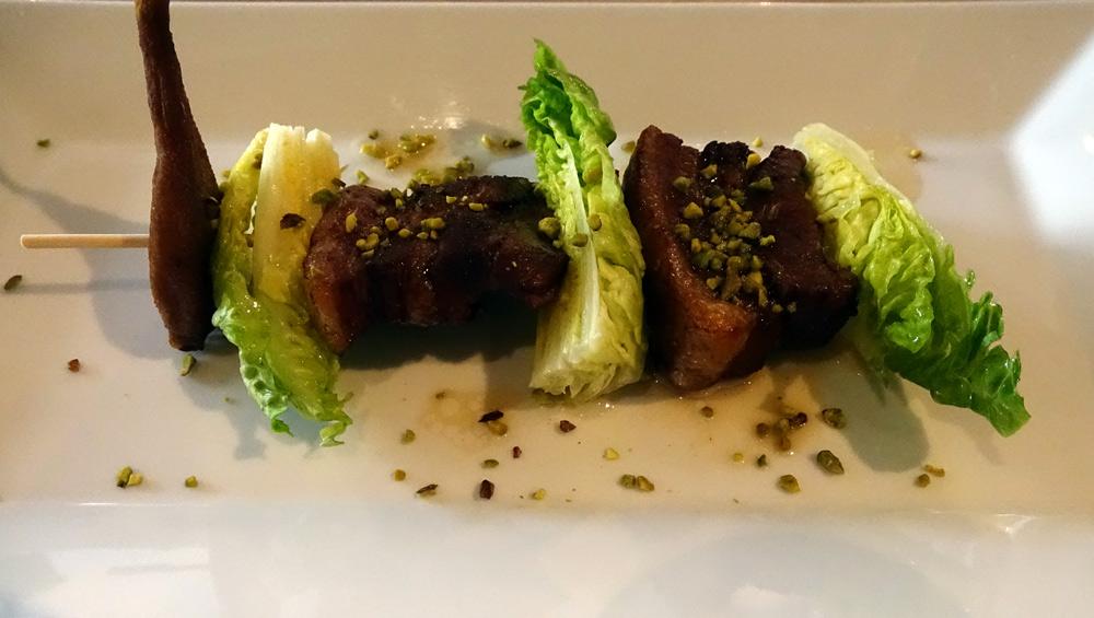 La Touraine en salade croquante, vinaigrette à la poire tapée