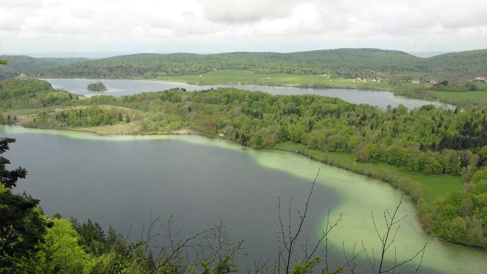 Le lac du Grand Maclu vu du Belvédère des 4 Lacs
