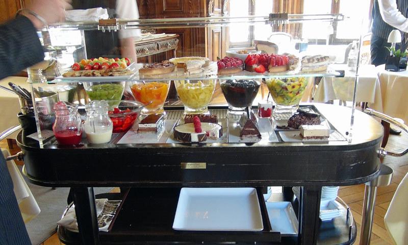 Le gargantuesque chariot de desserts