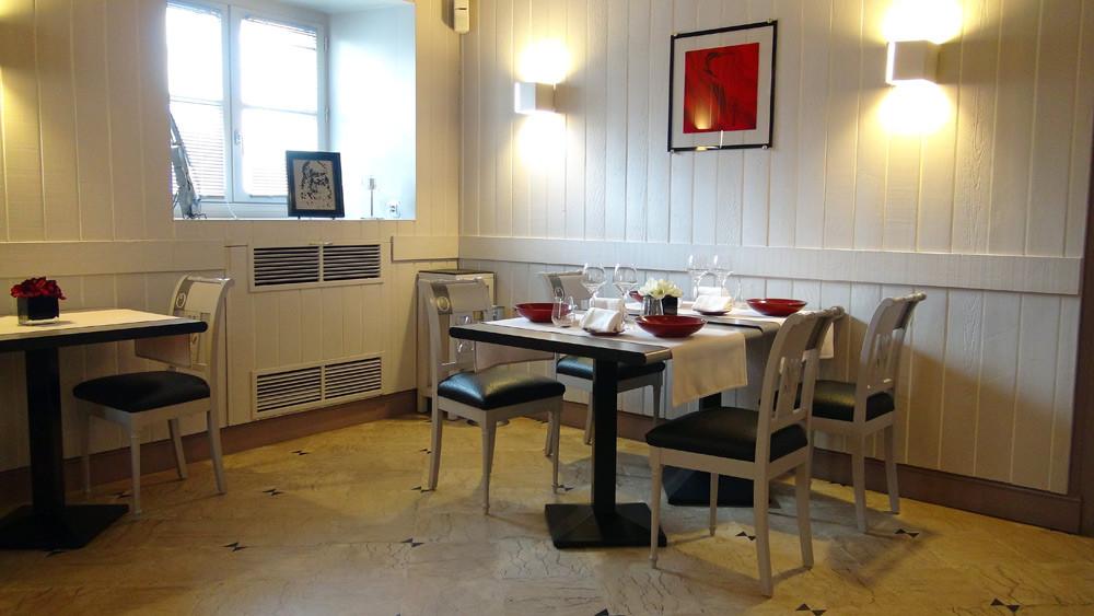 Salle à manger (à droite)