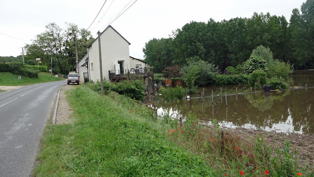 Une autre maison sur la D7 à la sortie de Candé-sur-Beuvron
