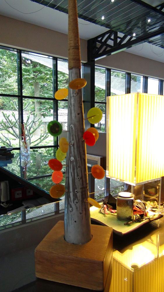 L'arbre à sucettes multicolores
