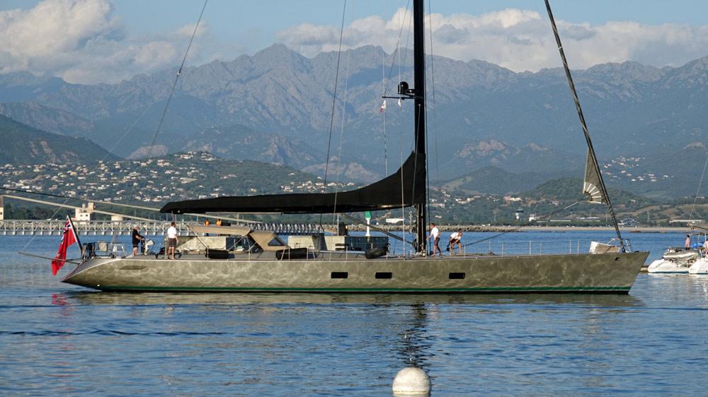 Dans le port d'Ajaccio, ce voilier à coque aluminium que nous retrouverons 2 jours plus tard à Bonifacio