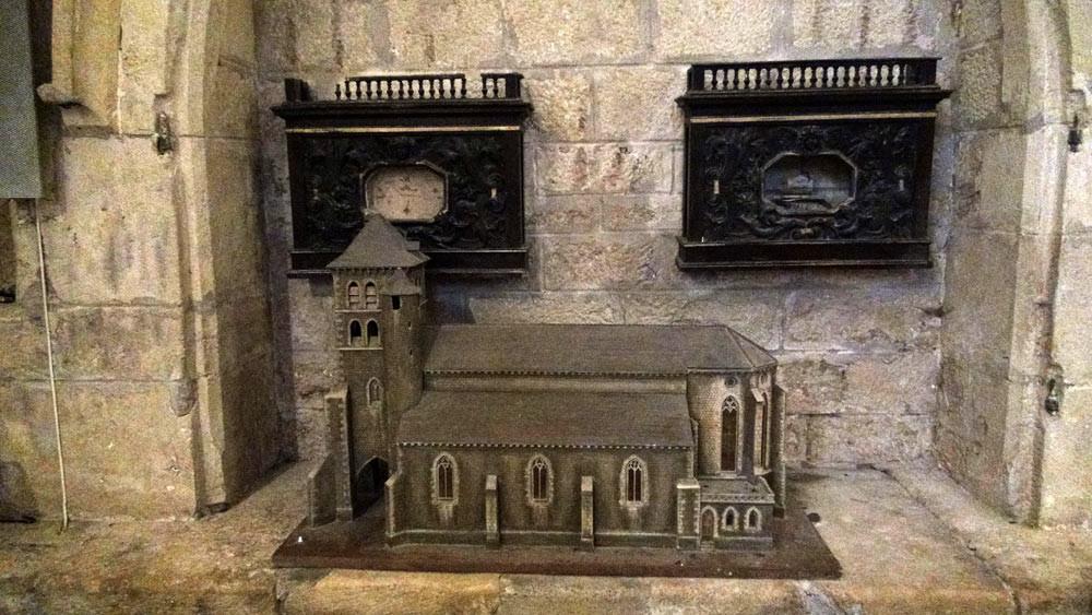 Puy l'Evêque : Eglise fortifiée Saint-Sauveur et sa maquette