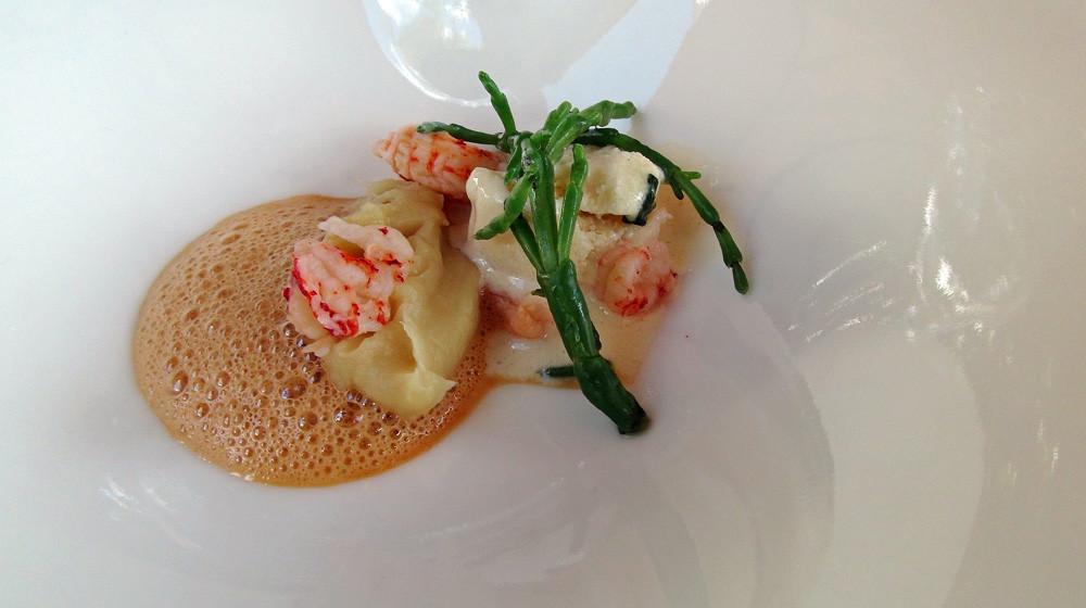 Ecrevisses de Loire, glace au beurre blanc et coulis de carcasse