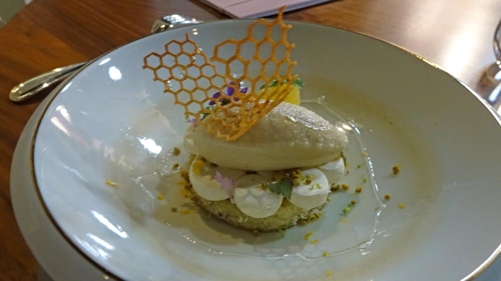 Miel de madame Mignot, citron, pollen, biscuit moelleux