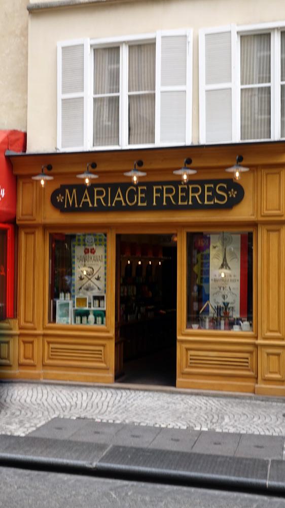 Boutique Mariages, rue Montorgueil