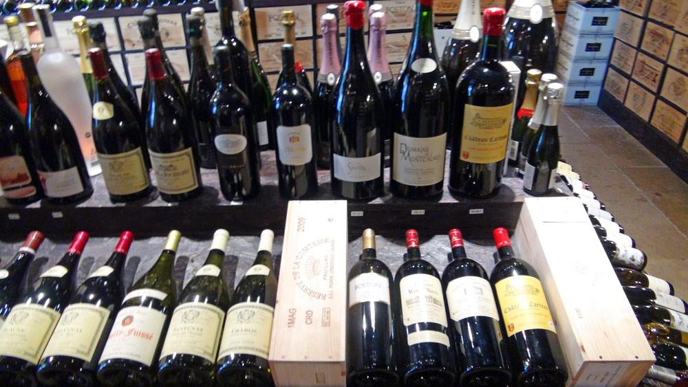 Quelques bouteilles, dont un superbe Jéroboam de Montcalmès