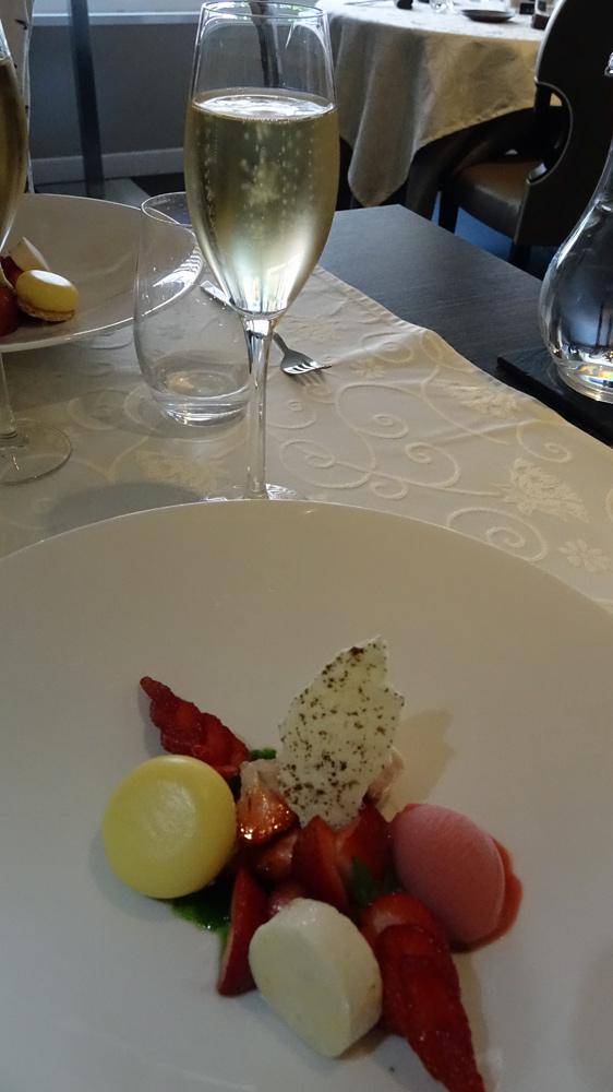 Le même dessert et sa coupe de Duaval-Leroy 2006