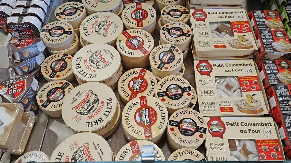 Autres fromages à la vente, dont plusieurs au lait cru