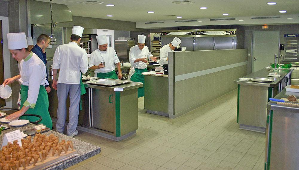 Les cuisines vers 15 h 30
