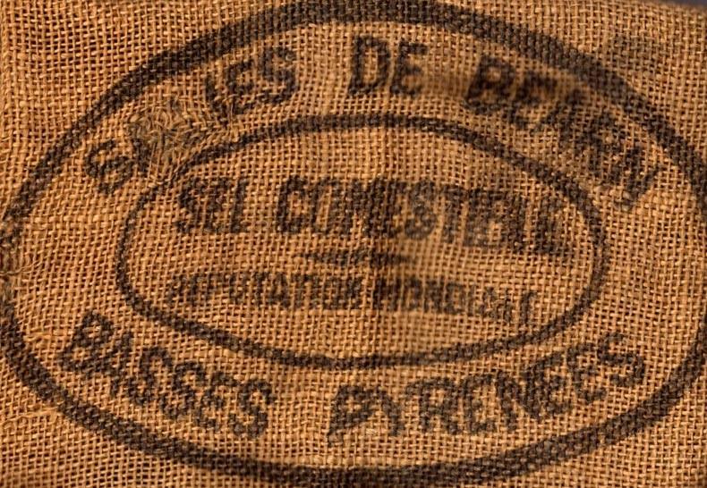 Ancien sac de Sel Gros de Salies-de-Béarn (Crédit photo : www.sel-salies-de-bearn.com)