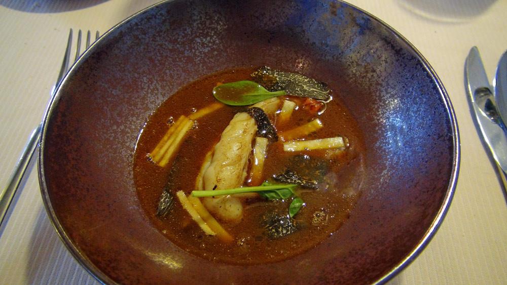 Homard, truffe & jus de carcasse de homard