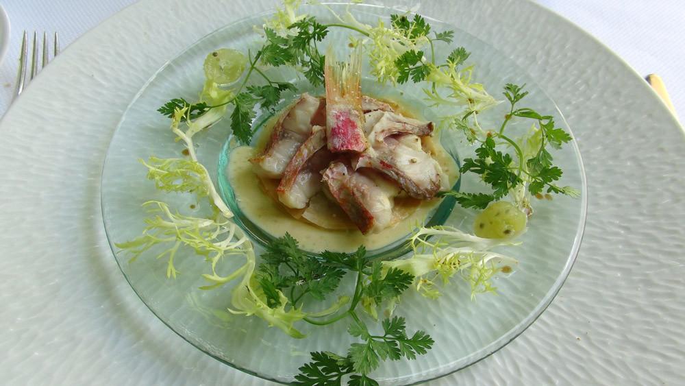 Tartelette croustillante de rouget, chorizo et oreille de cochon
