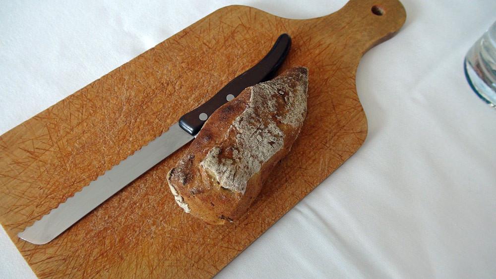 L'excellent pain maison, à partager