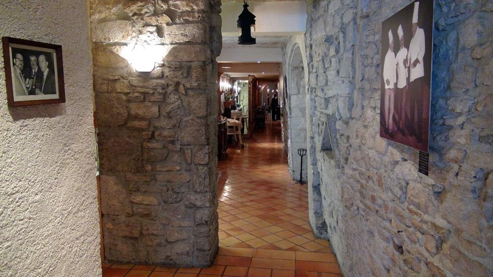 Le couloir menant à la salle à manger