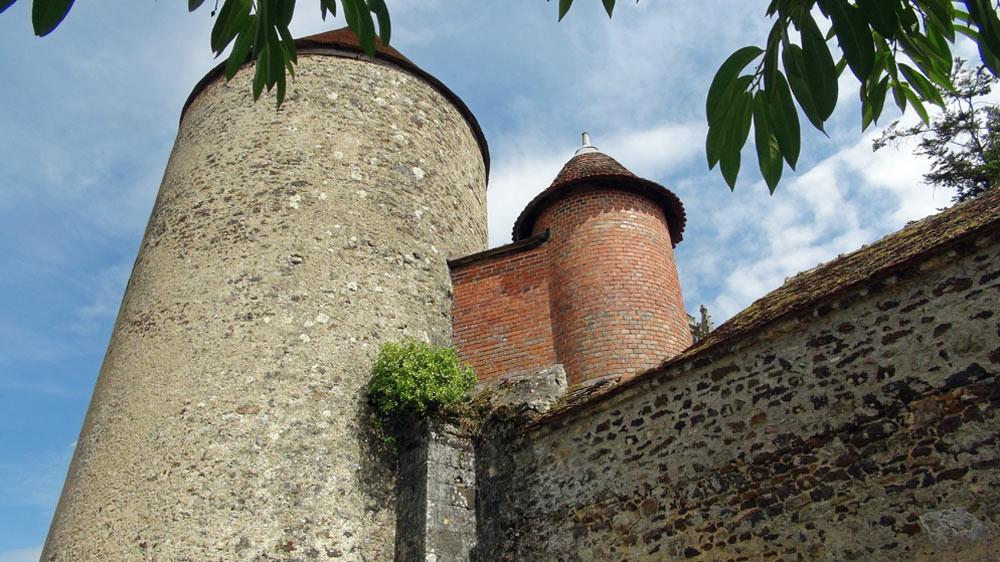 """Tour ronde de l'ancienne fortification et l'évacuation des """"commodités"""""""